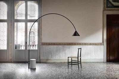 Ozz Floor Lamp