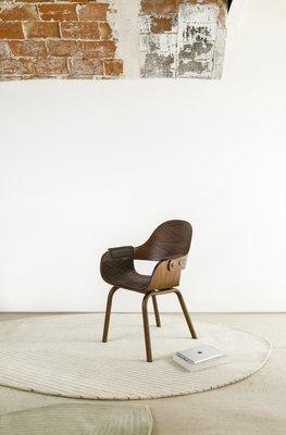 Showtime High Backrest - wooden legs
